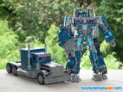 TF1 Optimus Prime Nightwatch  Leader (2)