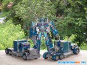 TF1 Optimus Prime Nightwatch  Leader (9)